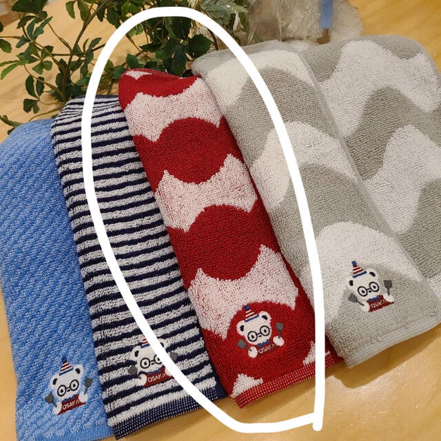 familiar(ファミリア)の限定❤️ファミリアショーご当地限定(大阪) タオルハンカチ レディースのファッション小物(ハンカチ)の商品写真