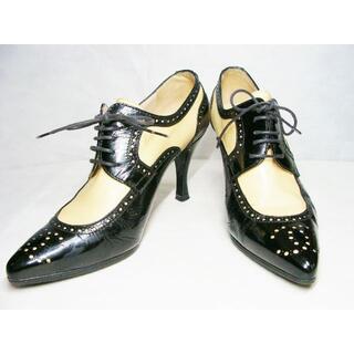 シャネル(CHANEL)のシャネルバイカラーエナメルパテントレザー皮革メダリオンヒールローファーブーティ靴(ブーティ)