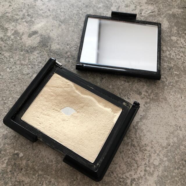 NARS(ナーズ)のNARS ハイライティングブラッシュパウダー コスメ/美容のベースメイク/化粧品(フェイスカラー)の商品写真