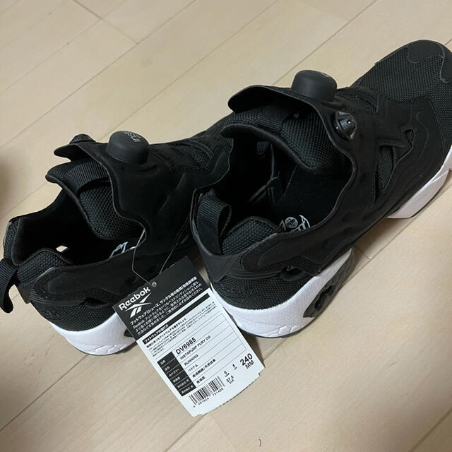 Reebok(リーボック)のリーボック ポンプフューリー 24センチ レディースの靴/シューズ(スニーカー)の商品写真