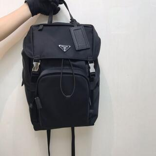 プラダ(PRADA)の美品PRADAプラダ リュックサック バックパック 黒(バッグパック/リュック)