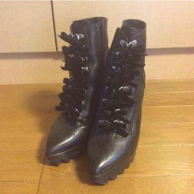 G.V.G.V.(ジーヴィジーヴィ)のgvgv キャットヒールブーツ お値下げしました レディースの靴/シューズ(ブーツ)の商品写真