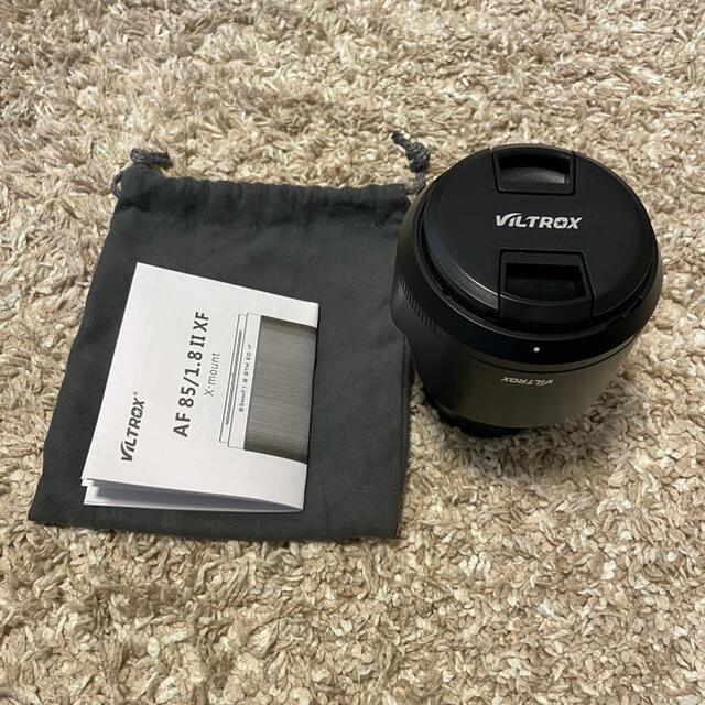 富士フイルム(フジフイルム)の美品 viltrox 85mm f1.8 Ⅱ Xマウント富士フィルム スマホ/家電/カメラのカメラ(レンズ(単焦点))の商品写真