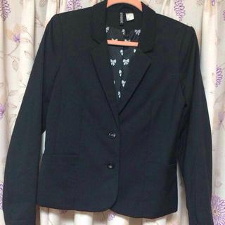 エイチアンドエム(H&M)のブラック ジャケット(テーラードジャケット)