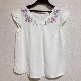 リランドチュール(Rirandture)のリランドチュール 花刺繍ブラウス(シャツ/ブラウス(半袖/袖なし))