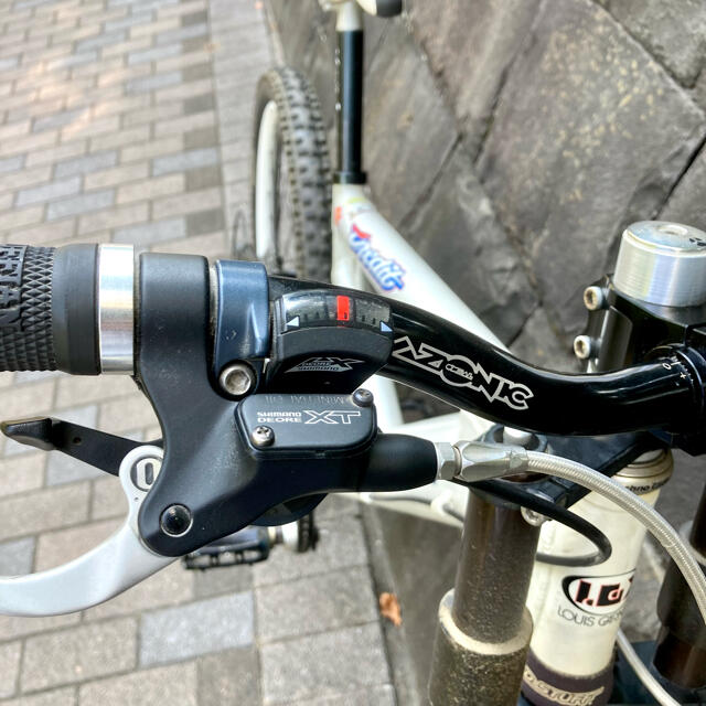 LOUIS GARNEAU(ルイガノ)のlouis garneau lgs-dh pro スポーツ/アウトドアの自転車(自転車本体)の商品写真