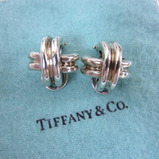 Tiffany & Co. - 美品 ティファニー シグネチャー イヤリング