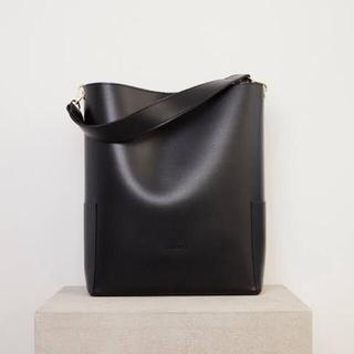 フレイアイディー(FRAY I.D)のRB bucket bag (black) (ショルダーバッグ)