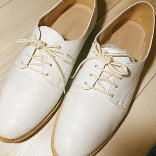 バークレー(BARCLAY)のBARCLAN ホワイトレースアップシューズ(ローファー/革靴)