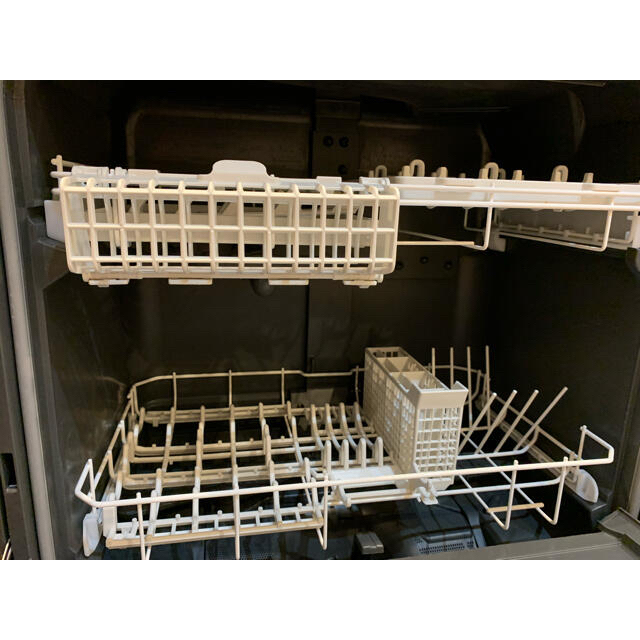 Panasonic(パナソニック)の最終値下げ パナソニック 食器洗い乾燥機 NP-TZ200-S スマホ/家電/カメラの生活家電(食器洗い機/乾燥機)の商品写真