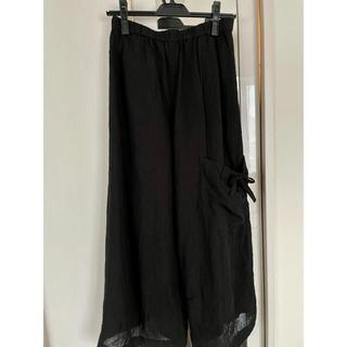 センソユニコ(Sensounico)の美品 慈雨 センソユニコ  ウエストゴム 大きめ 黒カジュアルパンツ 黒 40(カジュアルパンツ)