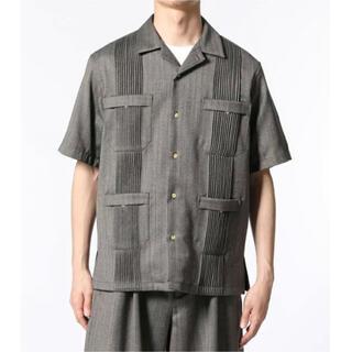 アダムエロぺ(Adam et Rope')の【NIKKE】キューバビーチ オーバーサイズ開襟シャツ(シャツ)