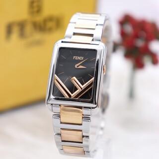 フェンディ(FENDI)の正規品【新品電池】FENDI ラナウェイ/動作良好 現行モデル 定価16万円(腕時計)