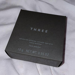 スリー(THREE)のTHREE ルースパウダー 02(フェイスパウダー)