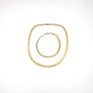 AVON - AVONゴールドネクレスとブレスレットセット刻印あり