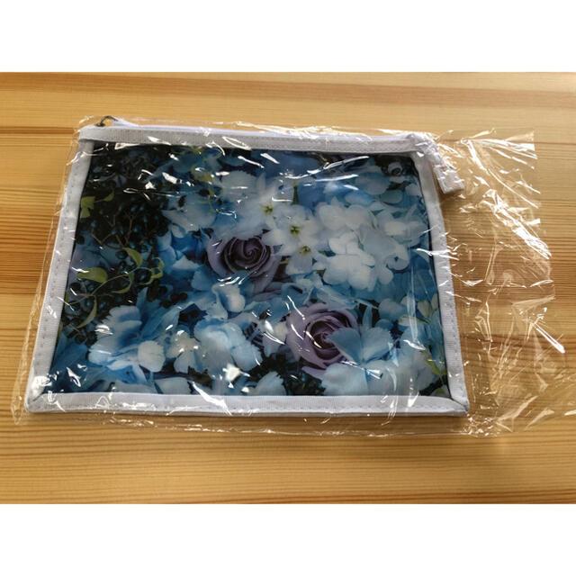 Aujua(オージュア)のAujua オージュア ポーチ 未使用品 花柄 シンプル コスメ/美容のキット/セット(サンプル/トライアルキット)の商品写真