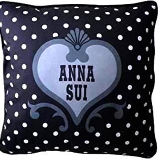 アナスイ(ANNA SUI)の☆ANNA SUI SUI BLACK 非売品  ノベルティ クッション 新品☆(ノベルティグッズ)