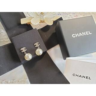 シャネル(CHANEL)の*CHANEL*52,800円 メタル、グラスストーン & ストラスピアス(ピアス)