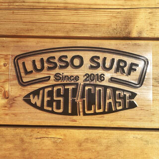 ロンハーマン(Ron Herman)の正規品☆LUSSO SURF 防水ステッカー黒☆ベイフロー (サーフィン)