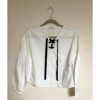マンゴ(MANGO)のMANGO 白 ホワイト カットソー トップス(シャツ/ブラウス(長袖/七分))