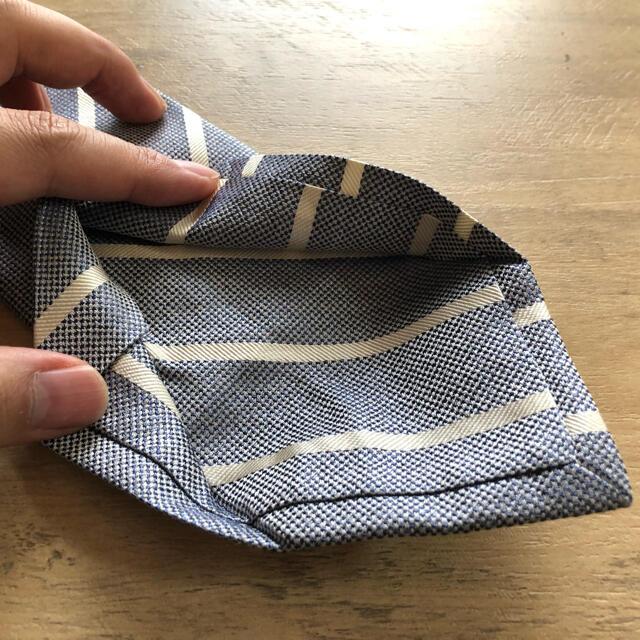 LUIGI BORRELLI(ルイジボレッリ)の秋セール!ISAIA NAPOLI イザイア織グレーホワイトストライプネクタイ メンズのファッション小物(ネクタイ)の商品写真