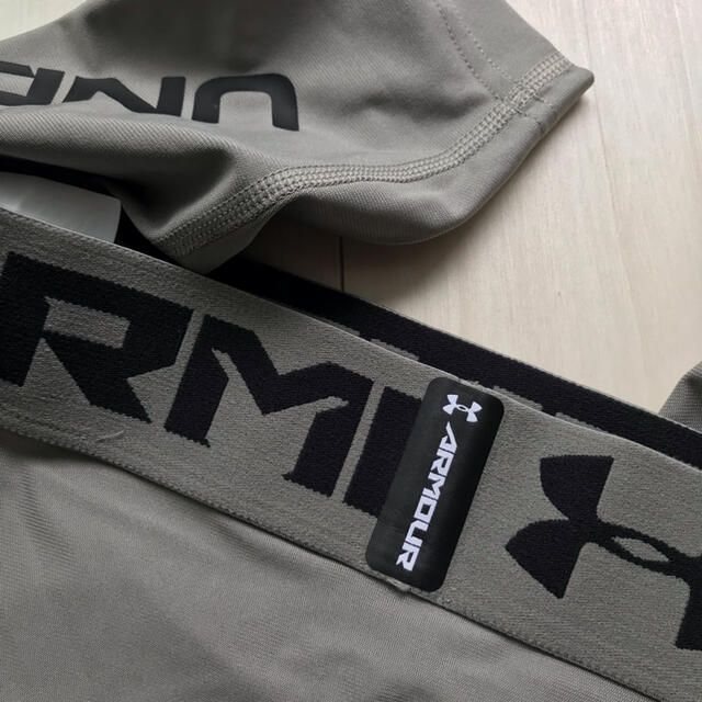UNDER ARMOUR(アンダーアーマー)のアンダーアーマー UNDER ARMOUR  ヒートギア 3/4レギンス スポーツ/アウトドアのトレーニング/エクササイズ(トレーニング用品)の商品写真