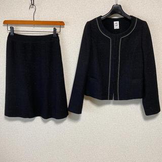 ミッシェルクラン(MICHEL KLEIN)のミッシェルクラン ノーカラー スカートスーツ 36 W62 黒ラメ DMW(スーツ)