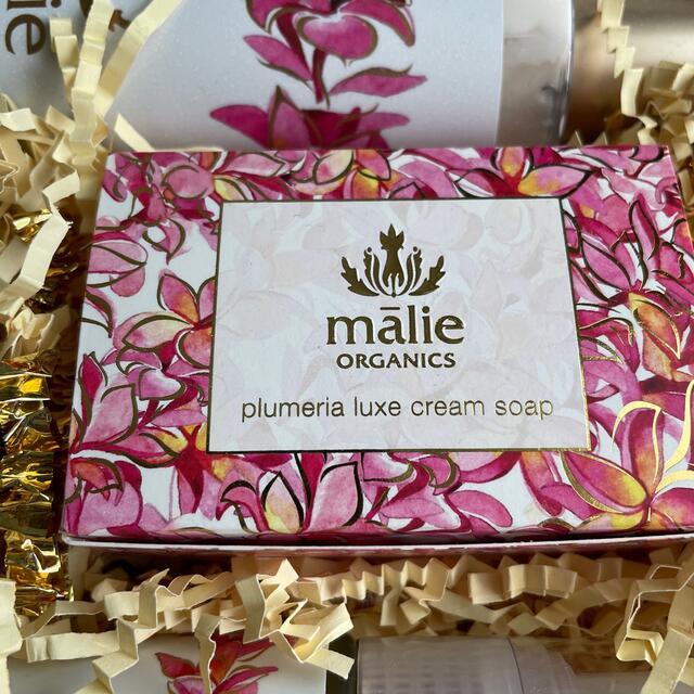 Malie Organics(マリエオーガニクス)の【未使用】マリエオーガニクス プルメリアセット コスメ/美容のボディケア(ボディクリーム)の商品写真