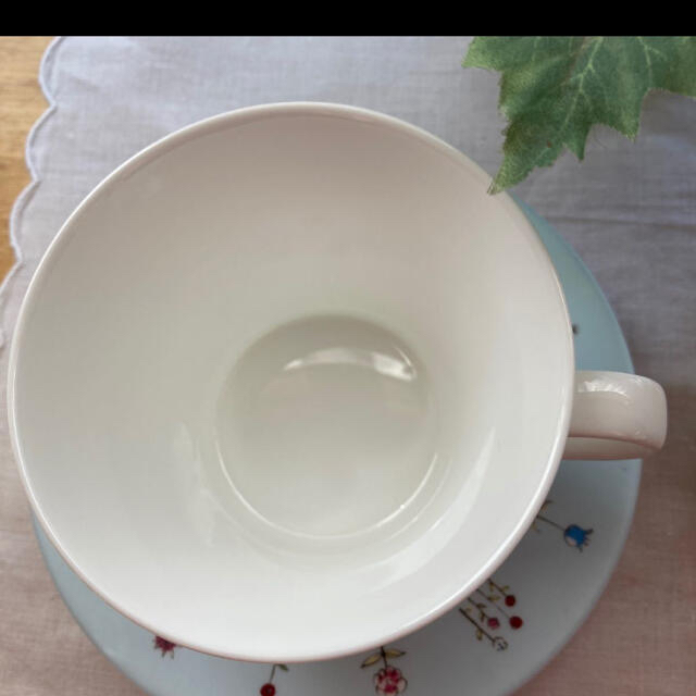 NIKKO(ニッコー)の【ジェフリー・フルビマーリ】ペアカップ&ソーサー インテリア/住まい/日用品のキッチン/食器(グラス/カップ)の商品写真