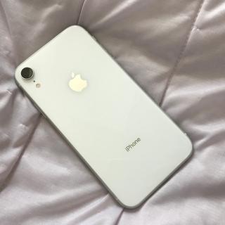 アイフォーン(iPhone)の10/23のみ特価!バッテリー90%!docomo iPhoneXR(スマートフォン本体)