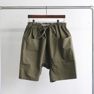 ワンエルディーケーセレクト(1LDK SELECT)の【美品】EEL Products August Shorts L(ショートパンツ)