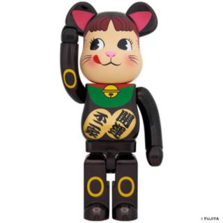 メディコムトイ(MEDICOM TOY)のBE@RBRICK 招き猫 ペコちゃん 黒メッキ 1000%(その他)