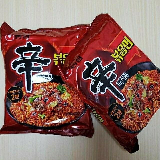炒め辛ラーメン☆辛ラーメン炒め麺 2個 食品/飲料/酒の加工食品(インスタント食品)の商品写真