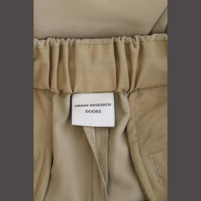 DOORS / URBAN RESEARCH(ドアーズ)のアーバンリサーチ ドアーズ パンツ イージー テーパード タック 38 ベージュ レディースのパンツ(その他)の商品写真