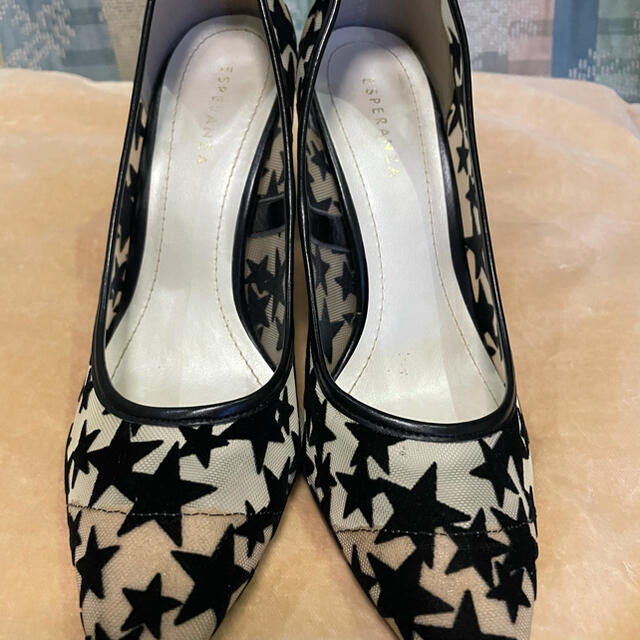 ESPERANZA(エスペランサ)のとても歩きやすい 星柄 パンプス 黒 レディースの靴/シューズ(ハイヒール/パンプス)の商品写真