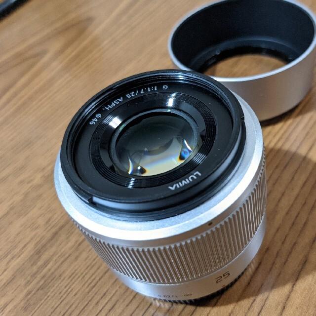 Panasonic(パナソニック)のLUMIX G 25mm / F1.7 ASPH. シルバー スマホ/家電/カメラのカメラ(レンズ(単焦点))の商品写真