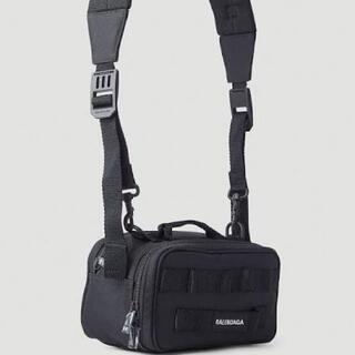 バレンシアガ(Balenciaga)のBALENCIAGA カメラバッグ ブラック ARMY CAMERA BAG(ショルダーバッグ)