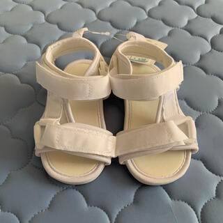 西松屋 - 子供靴 サンダル 14㎝ 白色 新品 未使用