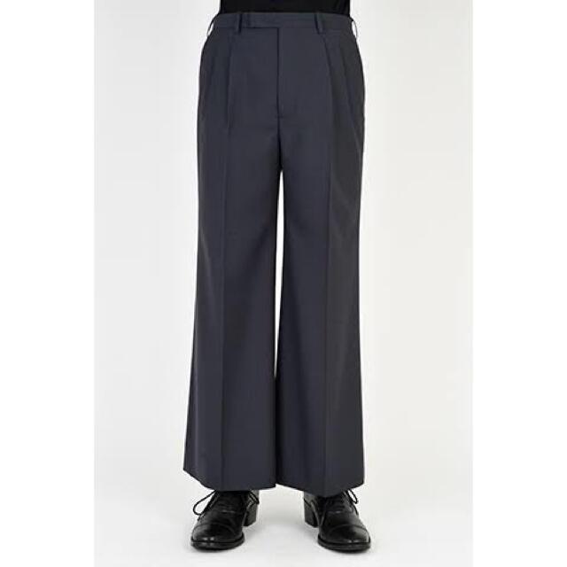 LAD MUSICIAN(ラッドミュージシャン)のLAD  MUSICIAN  2TUCK WIDE FLARE SLACKS メンズのパンツ(スラックス)の商品写真