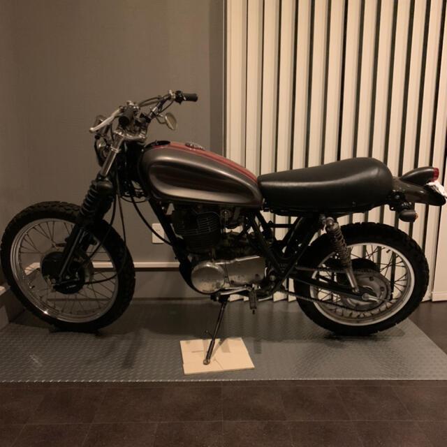ヤマハ(ヤマハ)のヤマハ sr400 2型(室内保管) vmx 自動車/バイクのバイク(車体)の商品写真