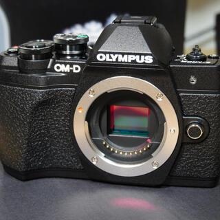 OLYMPUS - 【美品】OLYMPUS OM-D E-M10 MarkⅢ Ezダブルズームキット