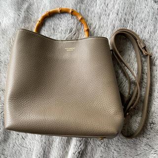 ノーブル(Noble)のVIOLA d'ORO  バンブーハンドルバッグ  ショルダーバッグ  ベージュ(ハンドバッグ)