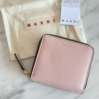 マルニ(Marni)のラスト1【新品】MARNI マルニ ラウンドジップ 二つ折り財布 ピンク(財布)