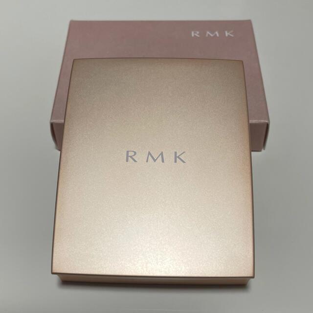 RMK(アールエムケー)のRMK ローズウッドデイドリーム4アイズ01 コスメ/美容のベースメイク/化粧品(アイシャドウ)の商品写真
