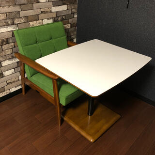 カリモクカグ(カリモク家具)のカリモク60 Kチェア1シータータープグリーン + カリモク60 カフェテーブル(ダイニングテーブル)