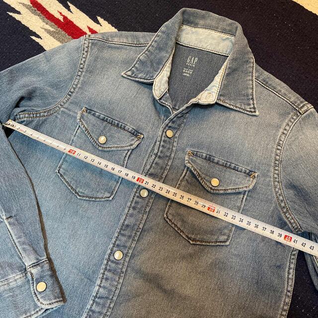 GAP(ギャップ)のGAP デニム風シャツ L 140㎝ キッズ/ベビー/マタニティのキッズ服男の子用(90cm~)(ブラウス)の商品写真