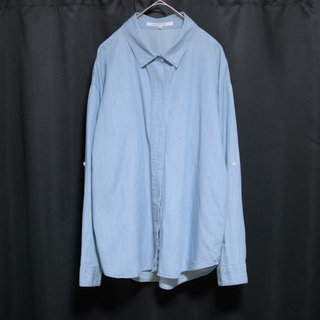 マーキュリーデュオ(MERCURYDUO)の美品 マーキュリービジュー シャツ 長袖 比翼ボタン ロールアップ ライトブルー(シャツ/ブラウス(長袖/七分))
