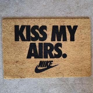 ナイキ(NIKE)の込 NIKE OVERKILL KISS MY AIRS DOORMAT(玄関マット)