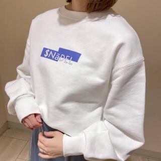 スナイデル(snidel)のスナイデル SNIDEL BOXロゴスウェット オフホワイト Logo(トレーナー/スウェット)
