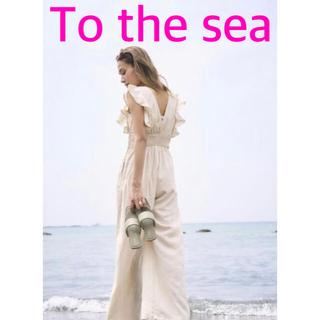 アリシアスタン(ALEXIA STAM)のTo the sea  コットンリネンタッチラッフルシャーリングロンパース(オールインワン)